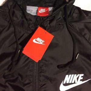 e0209fdc15 Nike WindBreaker Jackets   Coats - Nike windbreaker jacket Sz Small Mens-Med  Women s